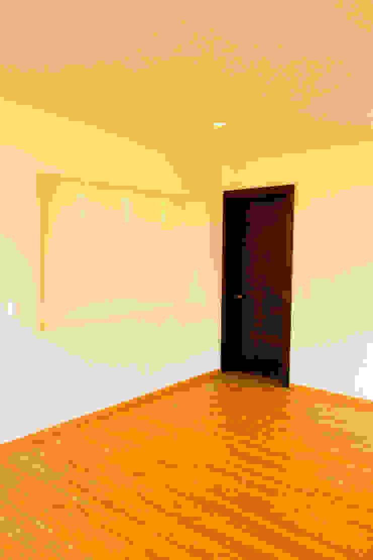 Valle Imperial 212 Dormitorios modernos de 2M Arquitectura Moderno