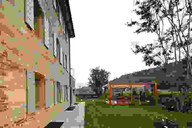 ALDENA Rustic style houses