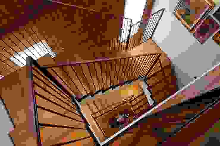 ALDENA Classic style corridor, hallway and stairs