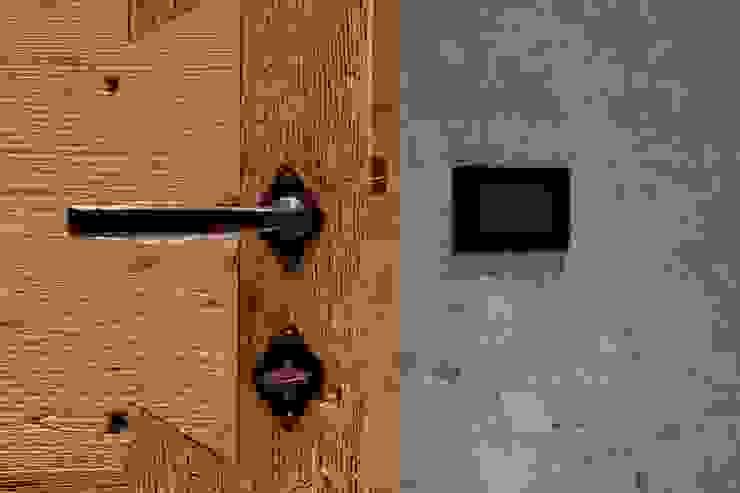 ALDENA Windows & doors Doorknobs & accessories Gỗ Wood effect