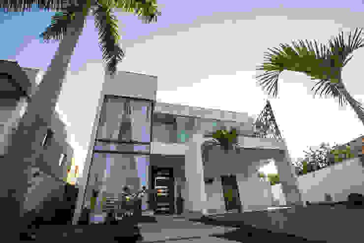 บ้านและที่อยู่อาศัย โดย KAMPAI ARQUITETURA, โมเดิร์น กระจกและแก้ว
