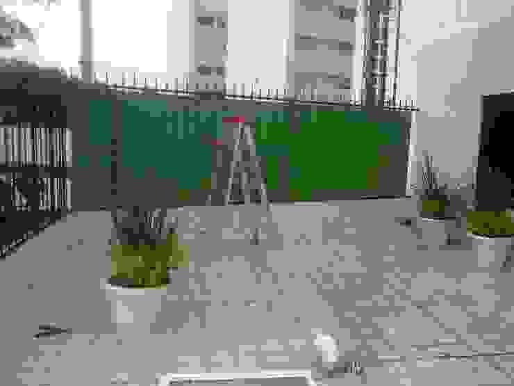 MIS TRABAJOS Balcones y terrazas modernos de SERVICIOS MULTIFUNCIONALES Moderno Hierro/Acero