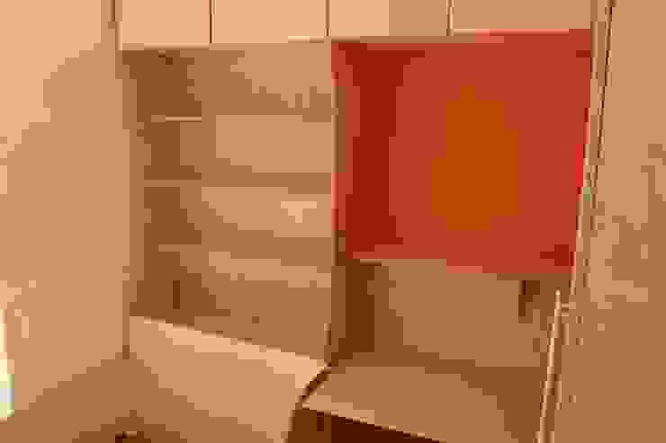 A Child's bedroom: modern  by TreeSaurus, Modern Wood Wood effect