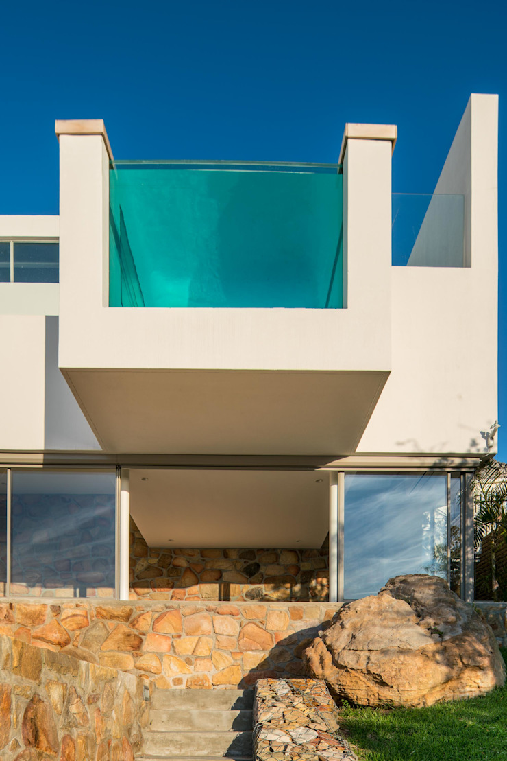HOUSE I ATLANTIC SEABOARD, CAPE TOWN I MARVIN FARR ARCHITECTS by MARVIN FARR ARCHITECTS Modern