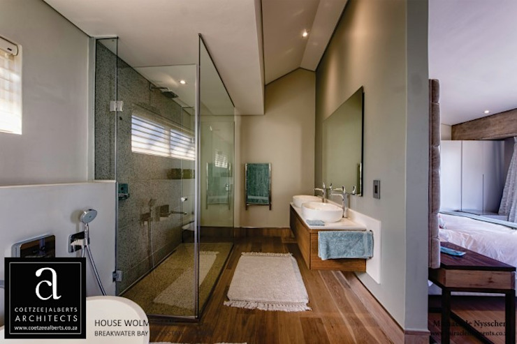 Coetzee Alberts Architects Baños de estilo moderno