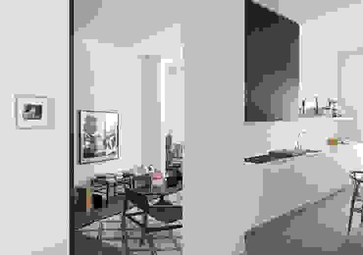 Apartment – Via Crespi – Milano Cucina moderna di Fabio Azzolina Architetto Moderno