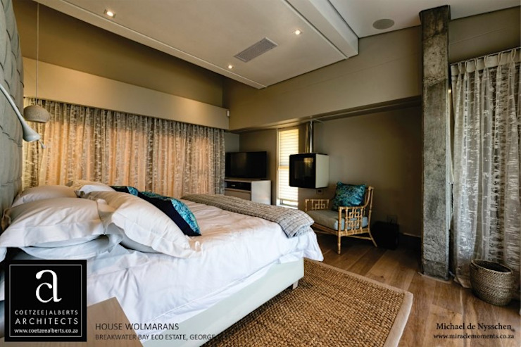 House Wolmarans Modern style bedroom by Coetzee Alberts Architects Modern