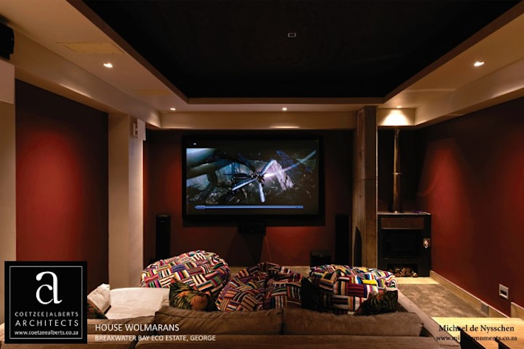 House Wolmarans:  Media room by Coetzee Alberts Architects, Modern