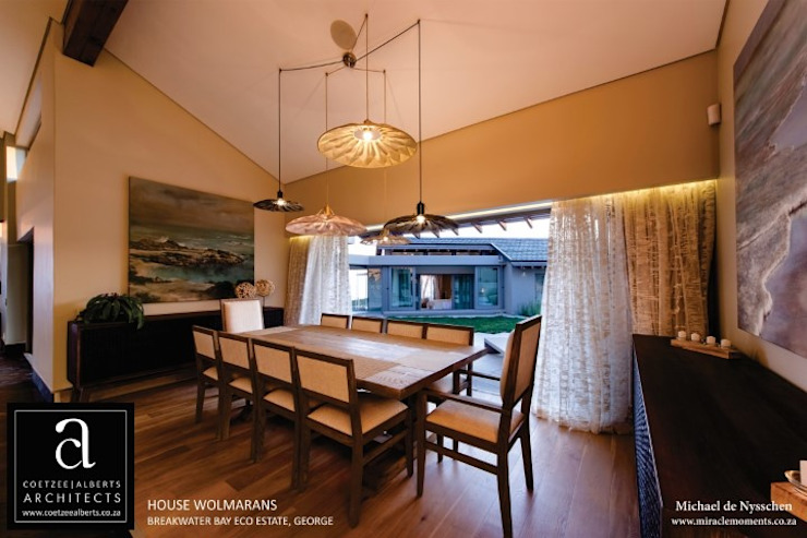 House Wolmarans Modern dining room by Coetzee Alberts Architects Modern