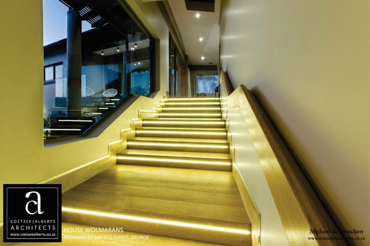 House Wolmarans Modern Corridor, Hallway and Staircase by Coetzee Alberts Architects Modern