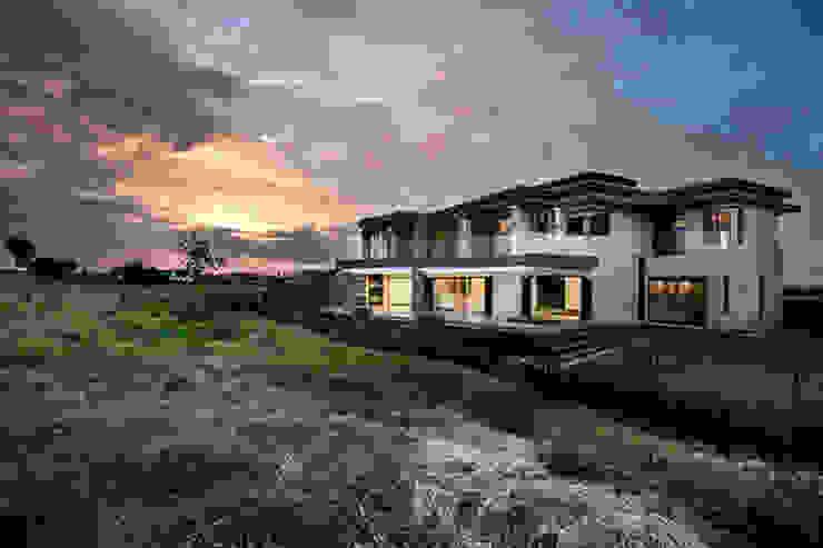 Residence Calaca Modern houses by FRANCOIS MARAIS ARCHITECTS Modern