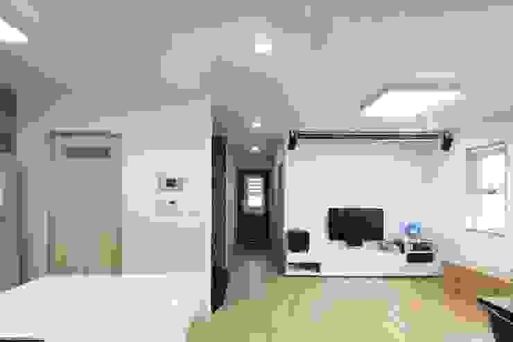 봉상리 주택 아시아스타일 거실 by 위드하임 한옥