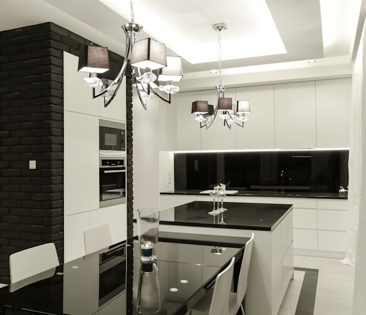 Modern Kitchen by Perfect Space Modern