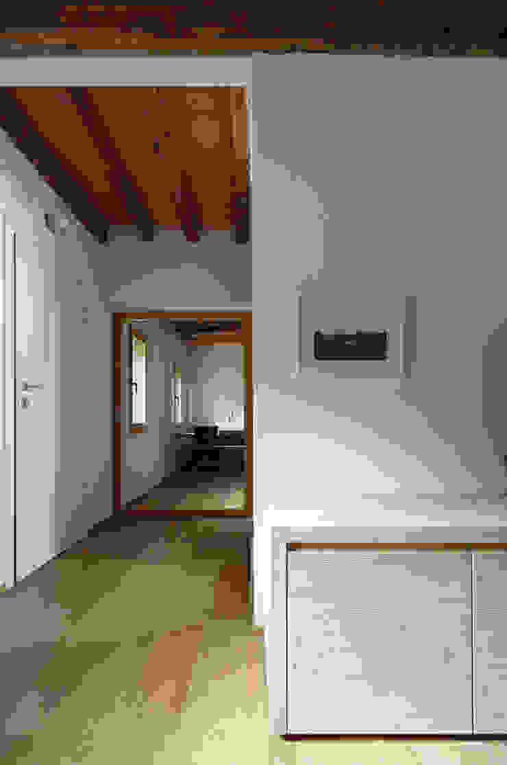 Minimalist Koridor, Hol & Merdivenler ALDENA Minimalist