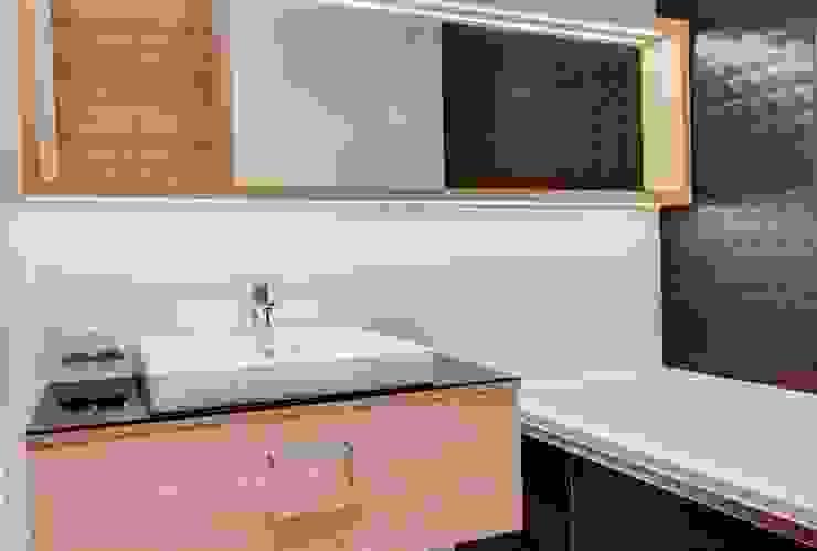 Soft Loft Nowoczesna łazienka od Perfect Space Nowoczesny