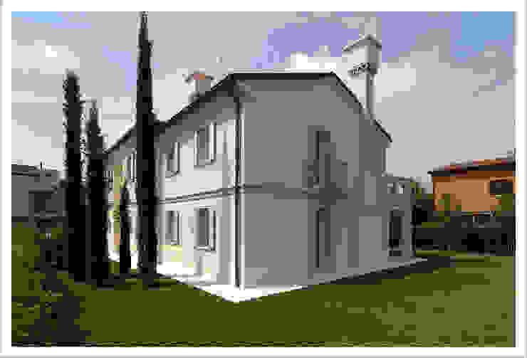Modern houses by ALDENA Modern