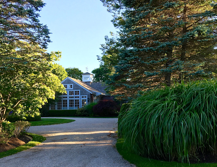 Quogue Beach House Classic style houses by Lorraine Bonaventura Architect Classic Wood Wood effect