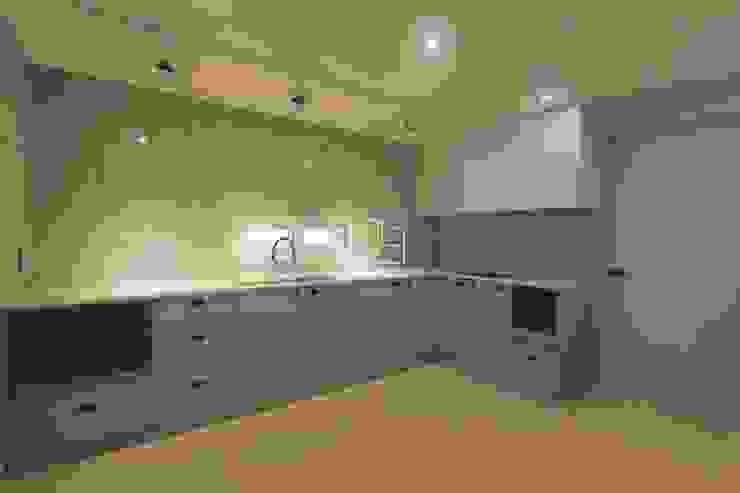Kitchen by 홍예디자인, Minimalist
