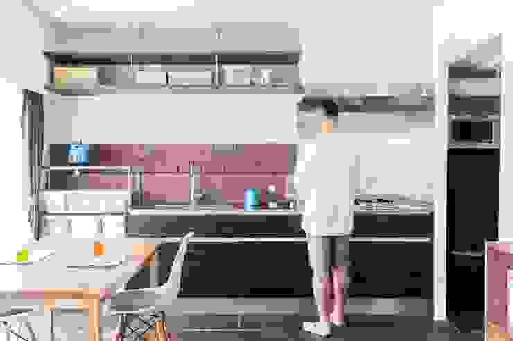 現代廚房設計點子、靈感&圖片 根據 株式会社ブルースタジオ 現代風