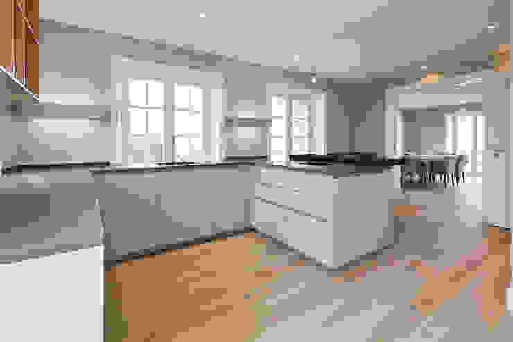 SALLIER WOHNEN SYLT Modern kitchen Wood Beige