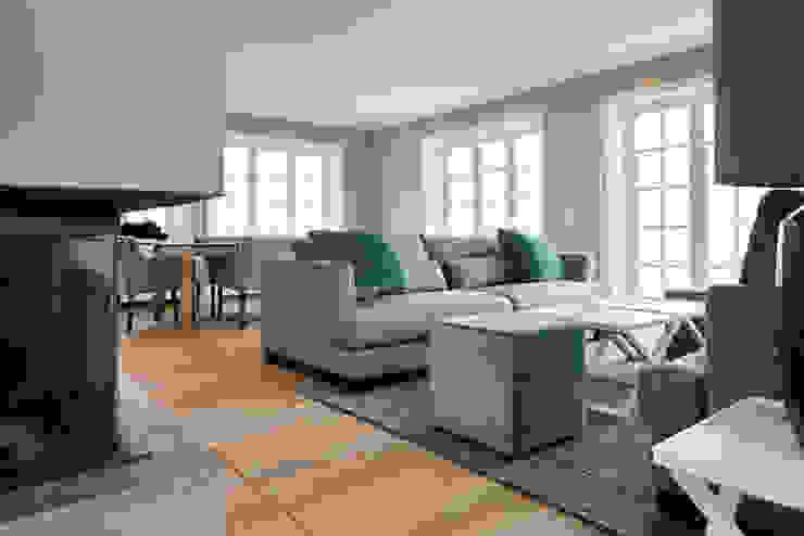 SALLIER WOHNEN SYLT Modern living room Wood Beige