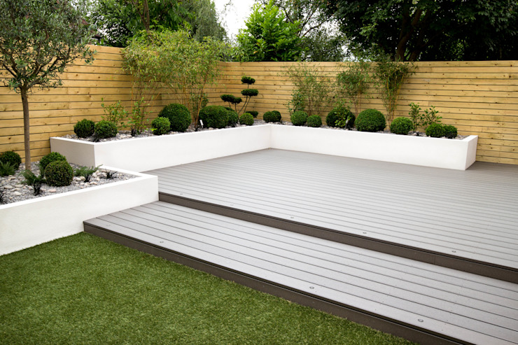 Small, low maintenance garden:  Garden by Yorkshire Gardens, Minimalist Wood-Plastic Composite