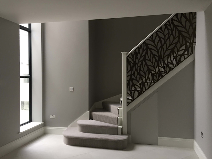 Laser cut screens - Regents Park balustrade. Modern corridor, hallway & stairs by miles and lincoln Modern
