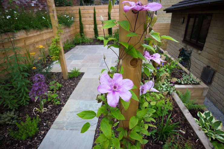 Modern Garden with a rustic twist by Yorkshire Gardens Modern