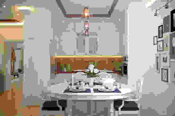 ห้องครัว โดย Студия интерьерного дизайна happy.design, คันทรี่