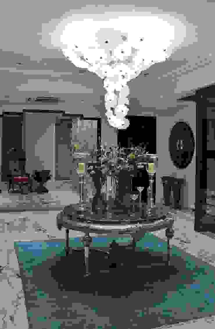 Private House Kolkata por Serip Clássico
