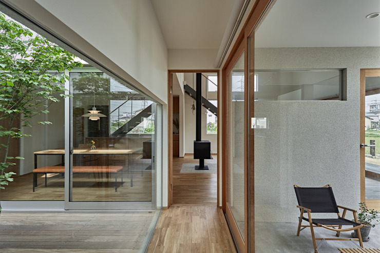 toki Architect design office Modern Corridor, Hallway and Staircase