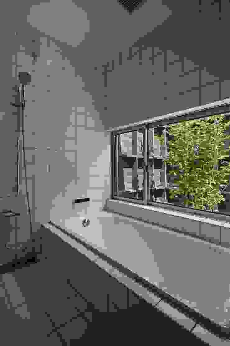 toki Architect design office Modern bathroom