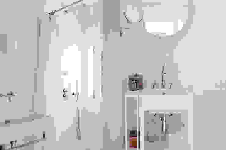 Baños de estilo  por Fabio Azzolina Architetto