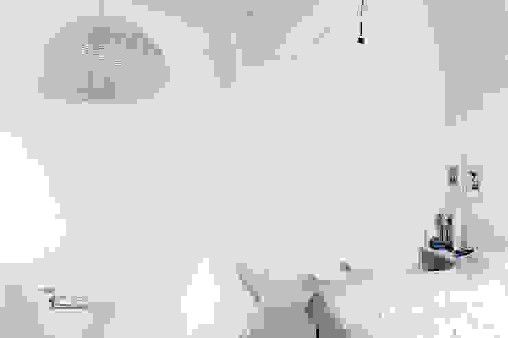 Sea House -Levanzo Camera da letto in stile mediterraneo di Fabio Azzolina Architetto Mediterraneo
