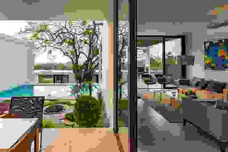 Varandas, marquises e terraços minimalistas por Yucatan Green Design Minimalista