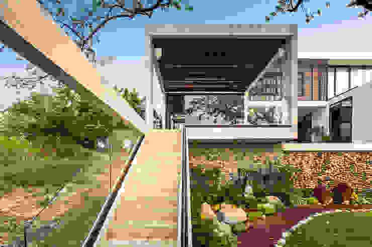 Yucatan Green Design Pasillos, halls y escaleras minimalistas