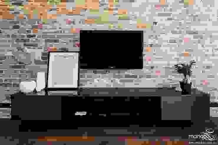 Tường & sàn phong cách hiện đại bởi MANGO STUDIO Hiện đại Gạch