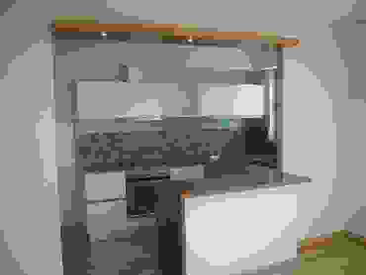 Arquitectura interior : Cocinas de estilo  por Alvarez Farabello Arquitectos,Moderno