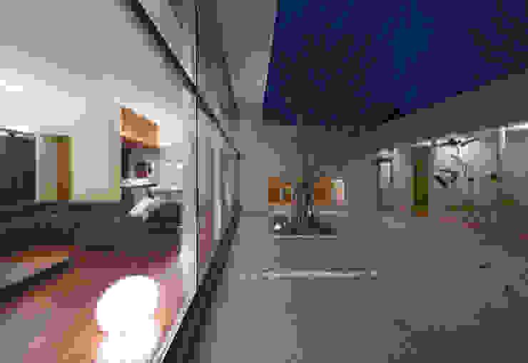 中庭 Atelier Square モダンな庭