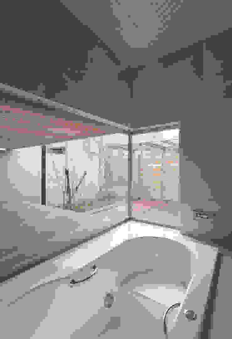 H COURT HOUSE Atelier Square モダンスタイルの お風呂