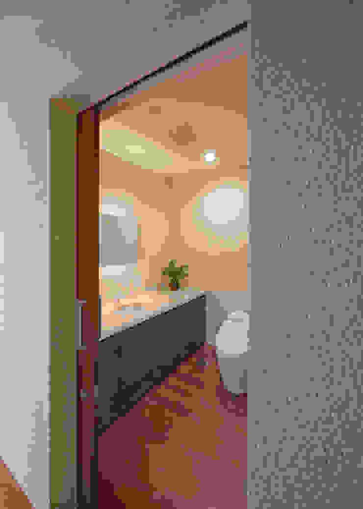 トイレ Atelier Square モダンスタイルの お風呂
