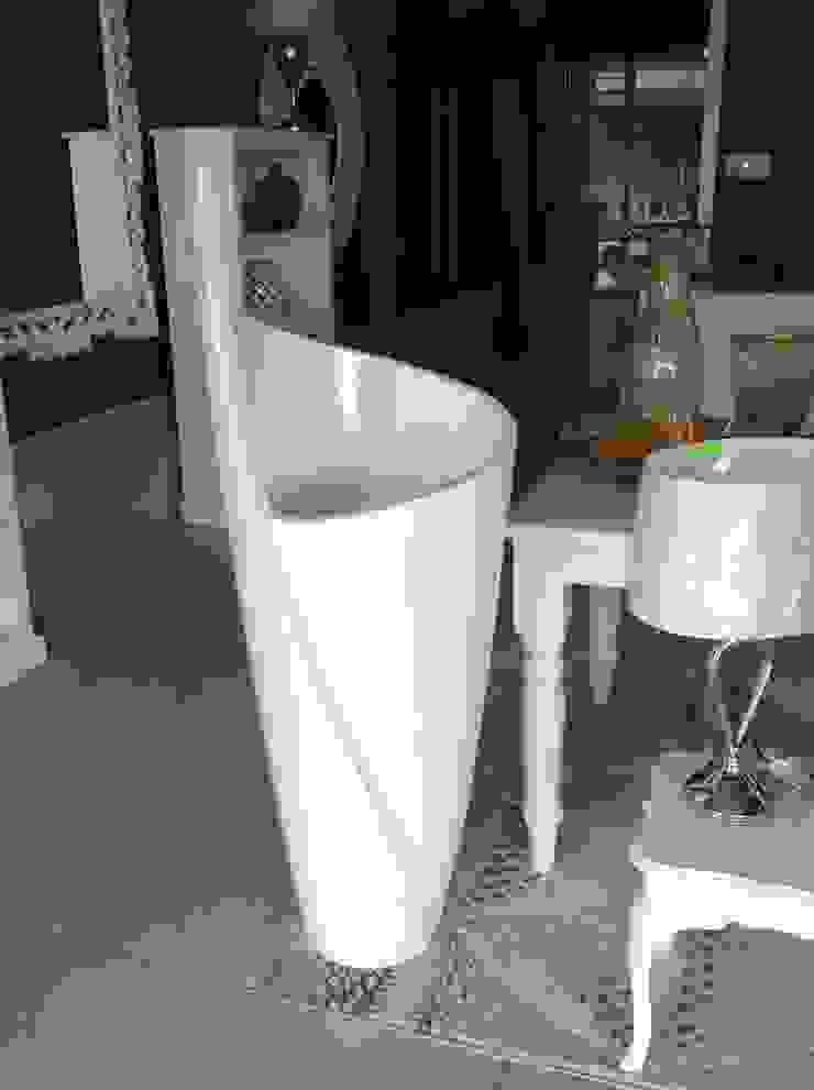 Modern Pots: modern  by Zoë Décor , Modern
