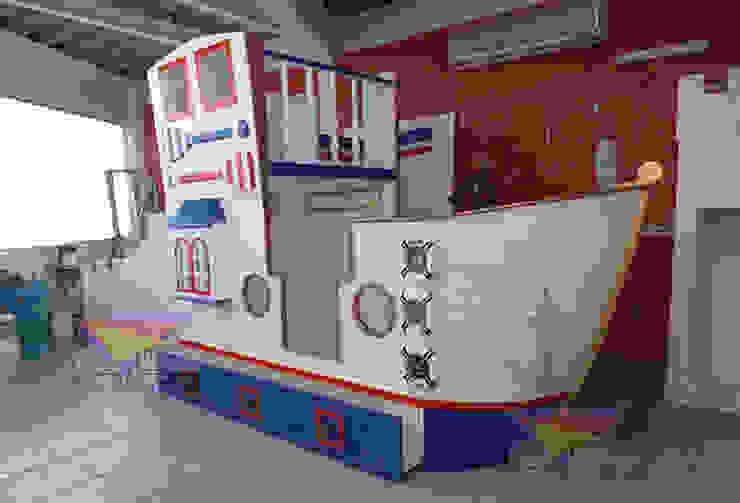 Distinguido barco nautico de Kids Wolrd- Recamaras Literas y Muebles para niños Clásico Derivados de madera Transparente
