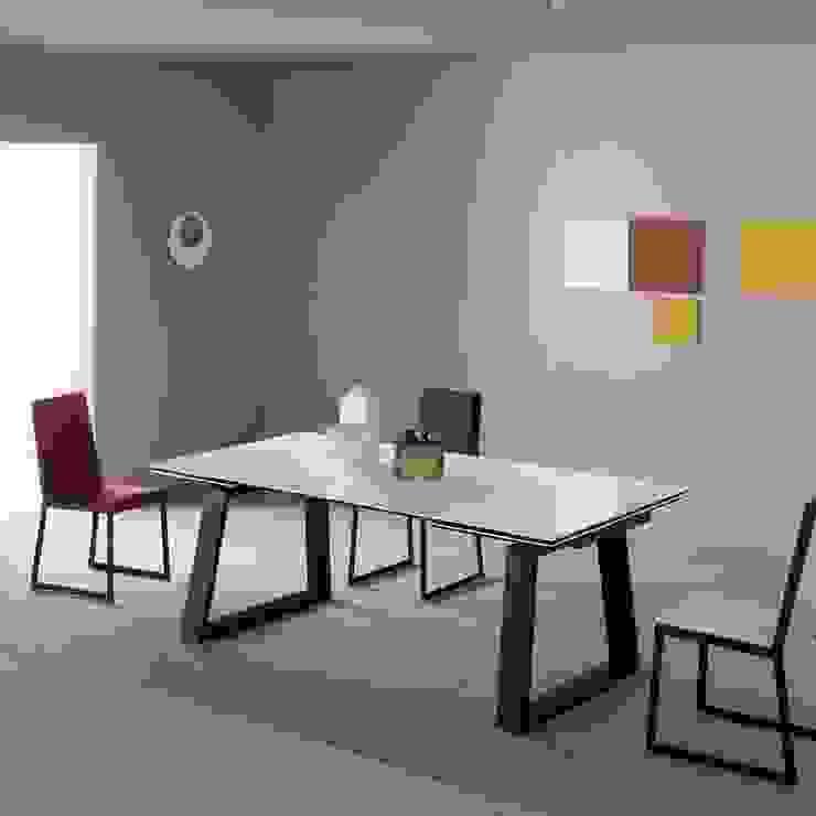 Mesas de jantar extensiveis Extendable dining tables www.intense-mobiliario.com OGNAM http://intense-mobiliario.com/pt/mesas-vidro-ceramica/10177-mesa-extensivel-ognam.html por Intense mobiliário e interiores; Moderno