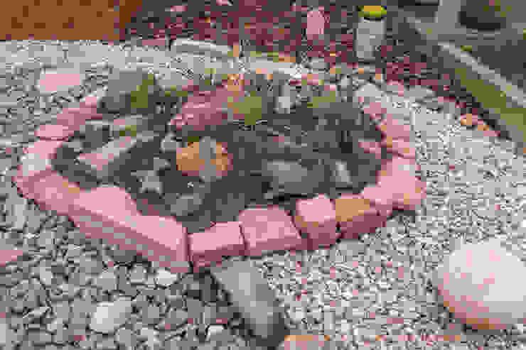 Beet mit Sandsteineinfassung:  Garten von Andreae Kakteenkulturen,Mediterran Sandstein