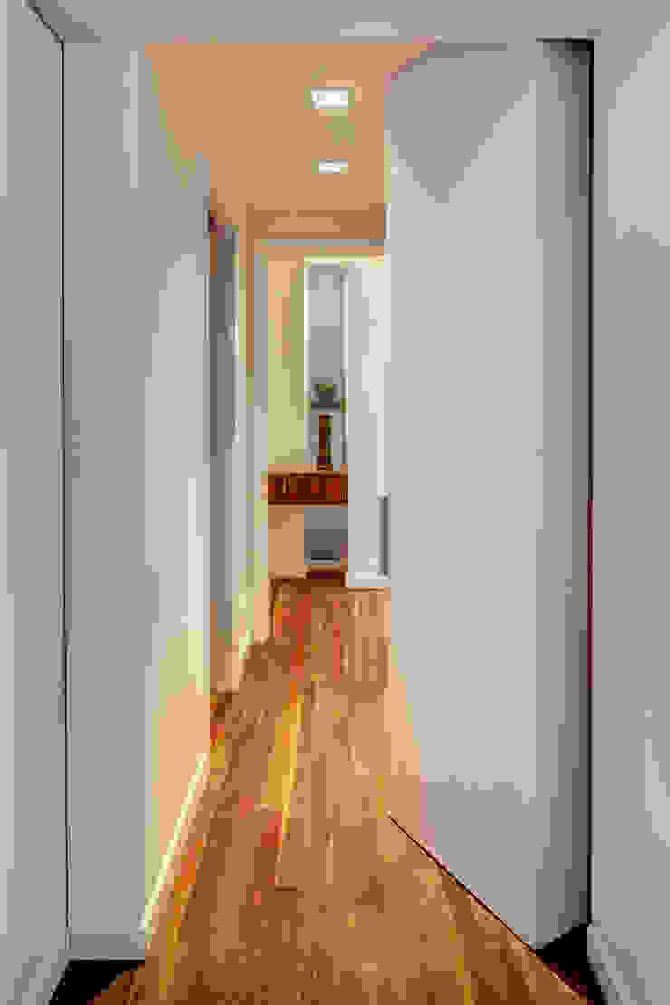 Modern style bedroom by Lilian H. Weinreich Architects Modern