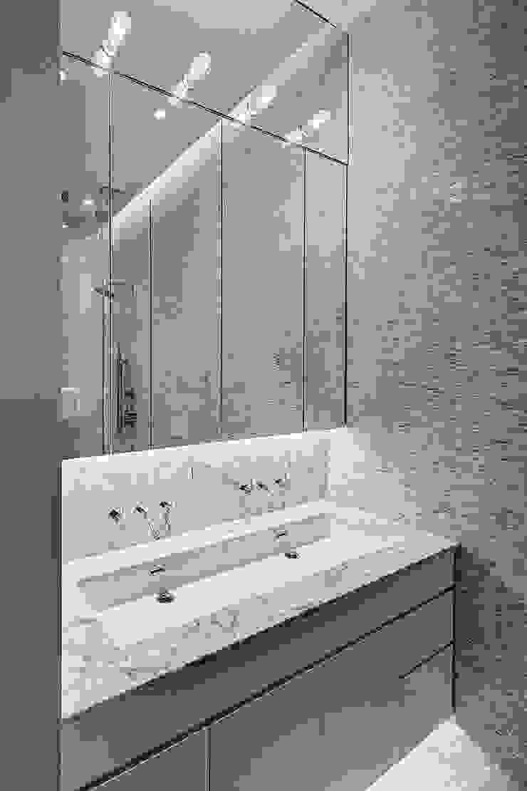 Master Bathroom Modern Bathroom by Lilian H. Weinreich Architects Modern Marble