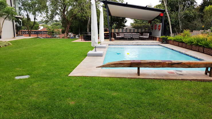 Lynnwood Strubenkop Estate Gorgeous Gardens Pool