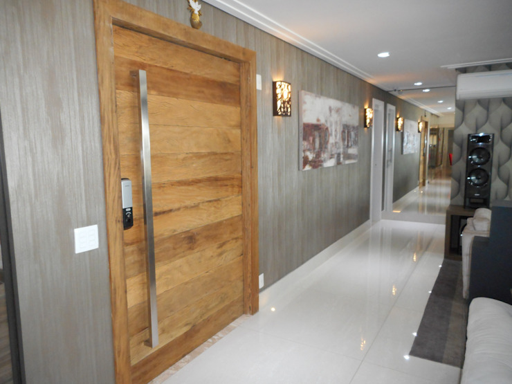 Metamorfose Arquitetura e Urbanismo Modern corridor, hallway & stairs