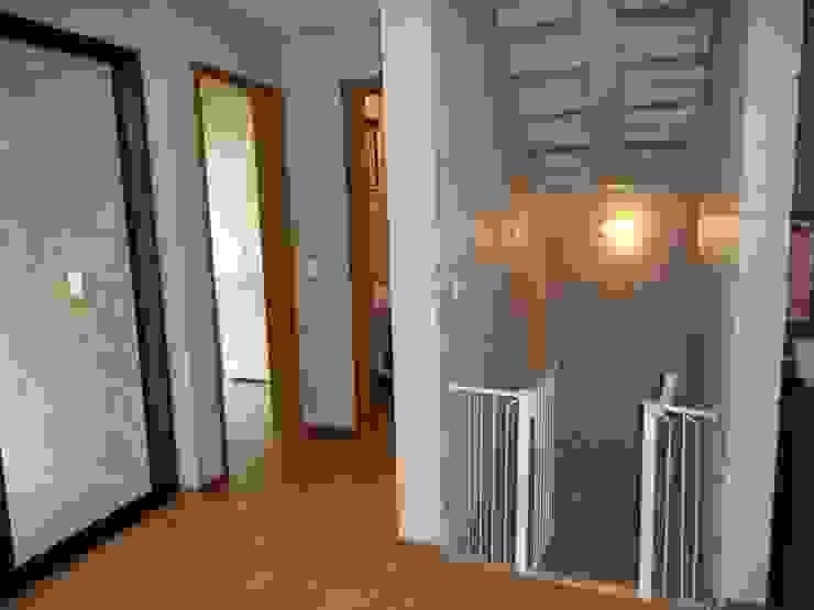 Entrada da sala Salas de estar rústicas por Metamorfose Arquitetura e Urbanismo Rústico